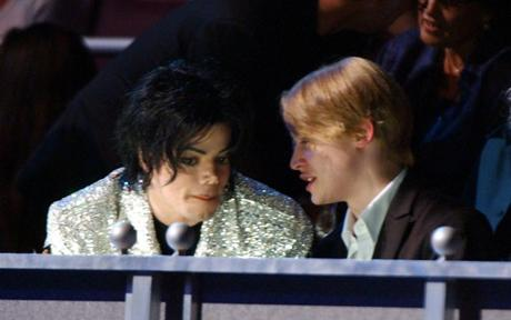 www.telegraph.co.uk_Michael Jackson and Macaulay Culkin at Michael Jackson's 30th Anniversary Celebration, New York in 2001_PD11400457_Macaula_1472287c